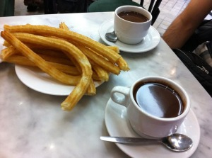 Chocolate con churros en la chocolatería San Ginés